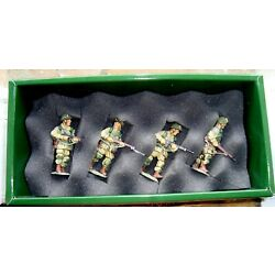 Kyпить King & Country, DD25, WWII Paratroopers On Patrol New in Box (inv1187) на еВаy.соm