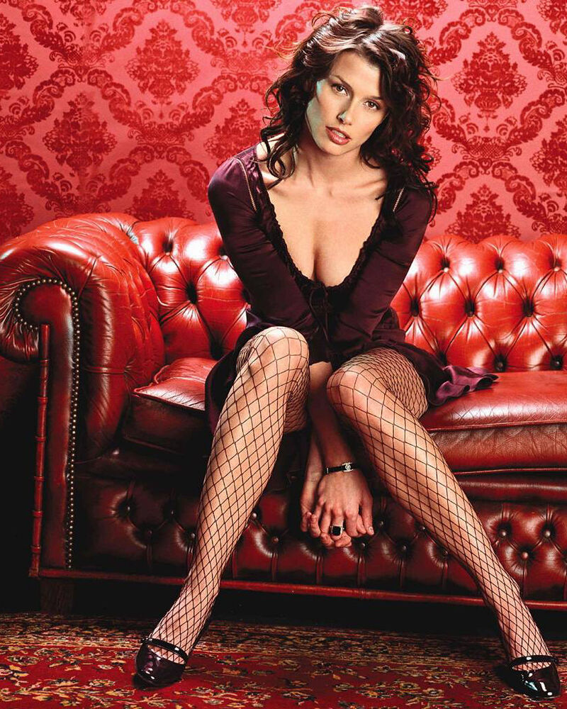 Bridget Moynahan: BRIDGET MOYNAHAN 8x10 PHOTO PICTURE PIC HOT CLEAVAGE SEXY