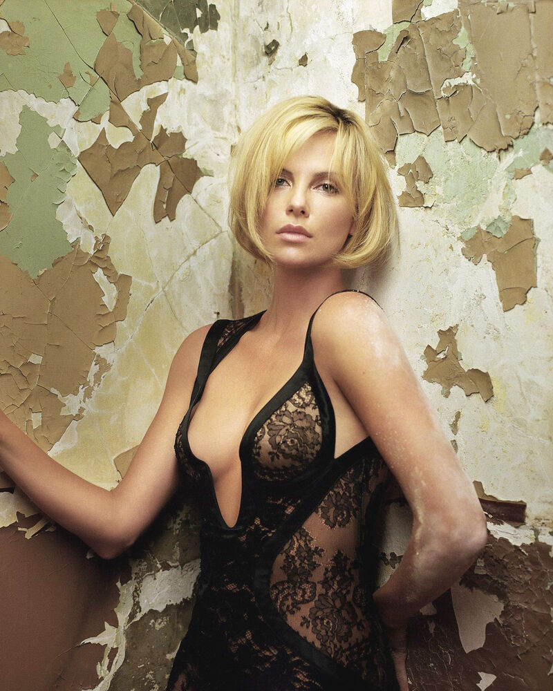 lace black Charlize theron