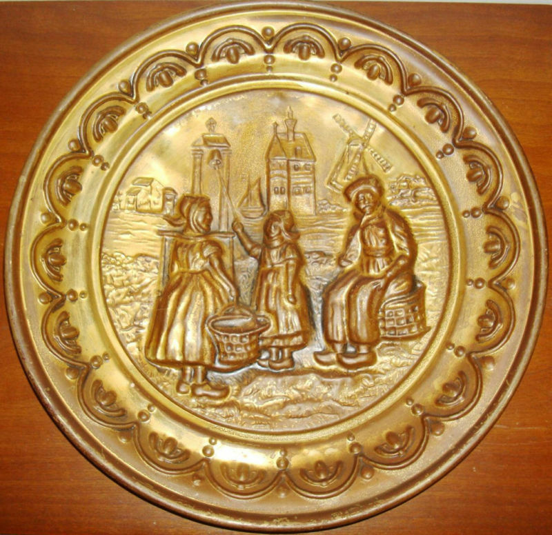 antique embossed metal bronze brass dutch wall decor plate plaque patina england ebay. Black Bedroom Furniture Sets. Home Design Ideas
