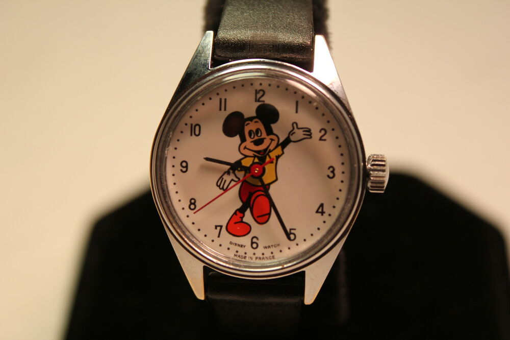 Disney divers wind up mickey mouse made in france watch rare ebay for Watches of france