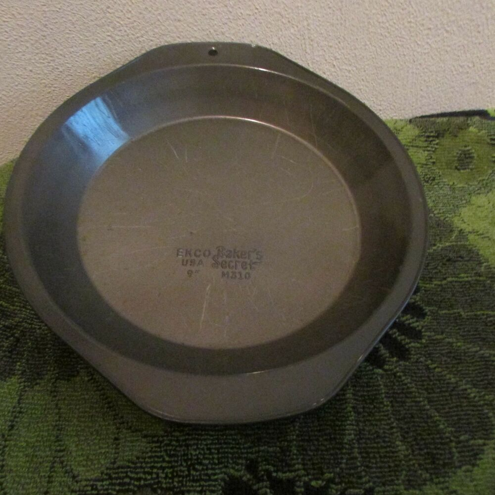 Your Choice Vintage Older Pie Baking Pans Ekco 9