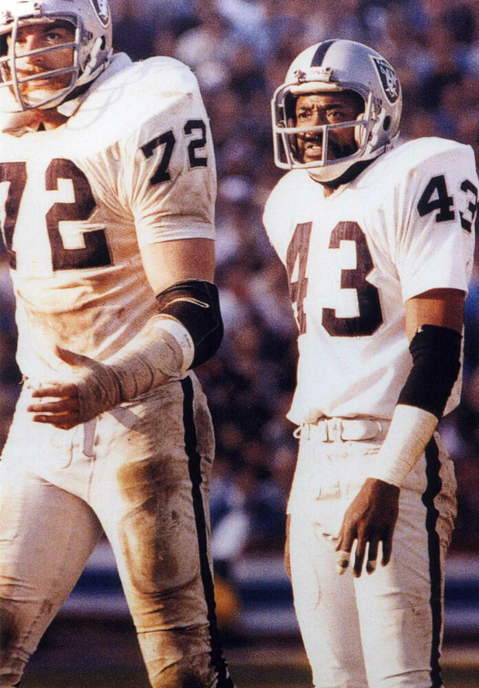 Details about   JOHN MATUSZAK-GEORGE ATKINSON OAKLAND RAIDERS 8X10 SPORTS PHOTO