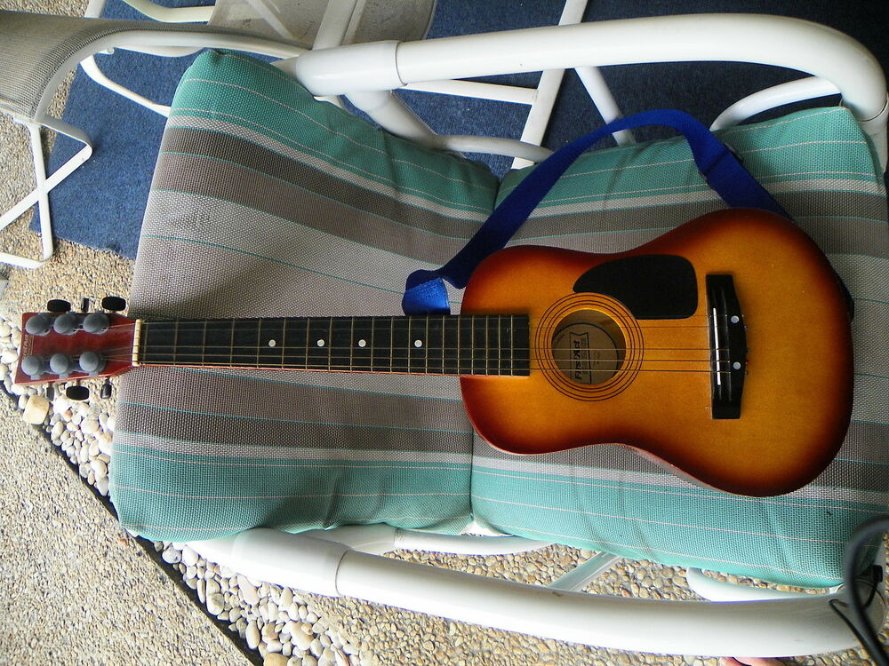 31 1 4 39 39 first act discovery fg 123 6 string acoustic guitar no reserve ebay. Black Bedroom Furniture Sets. Home Design Ideas