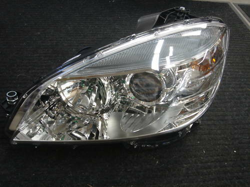 Mercedes benz c class genuine left headlight c300 c350 new for Mercedes benz low beam bulb