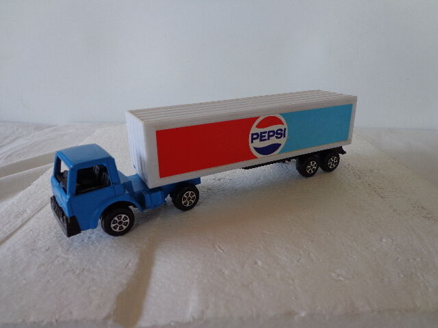 Toy Tractor Trailer Trucks : Tootsie toy pepsi delivery truck tractor trailer ebay