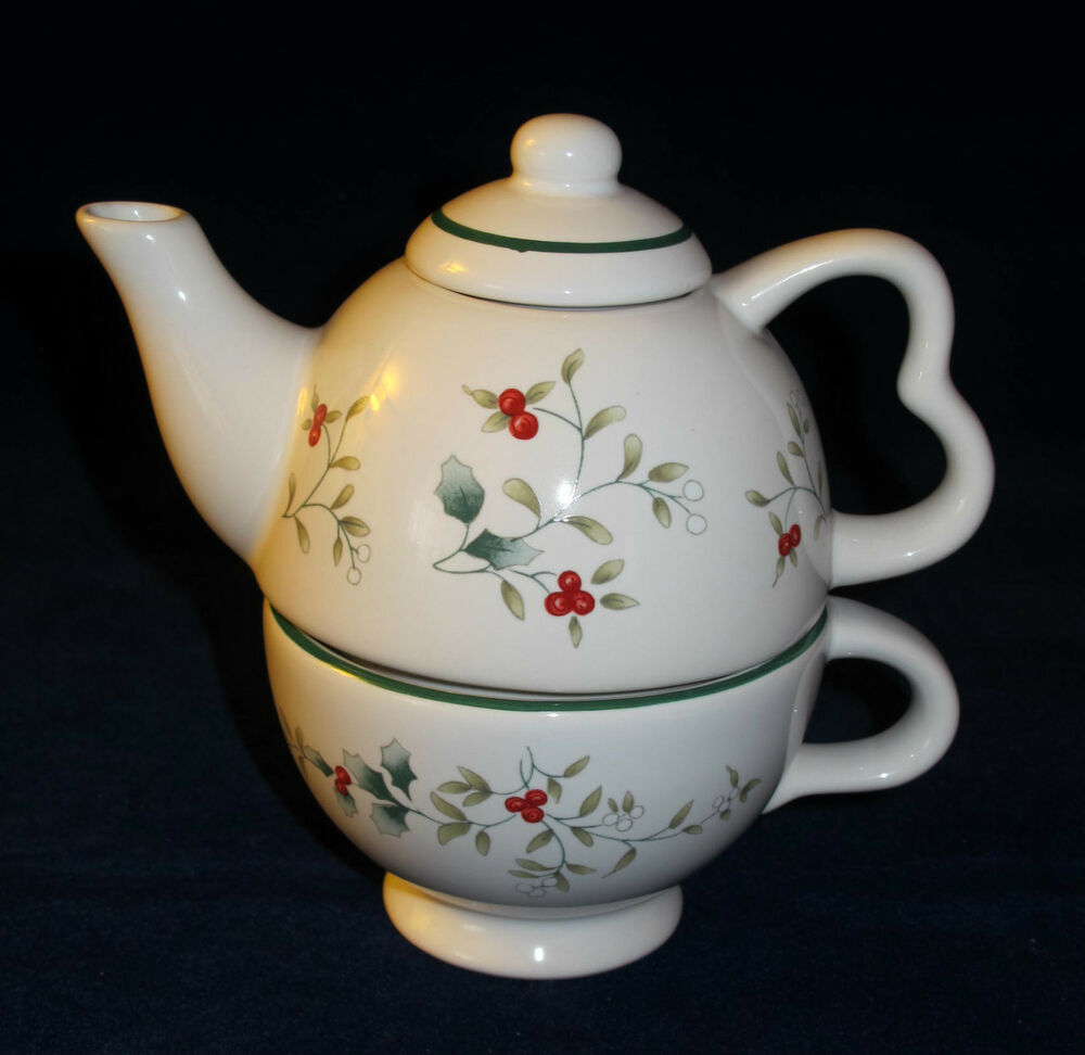 pfaltzgraff winterberry tea for one teapot ebay. Black Bedroom Furniture Sets. Home Design Ideas