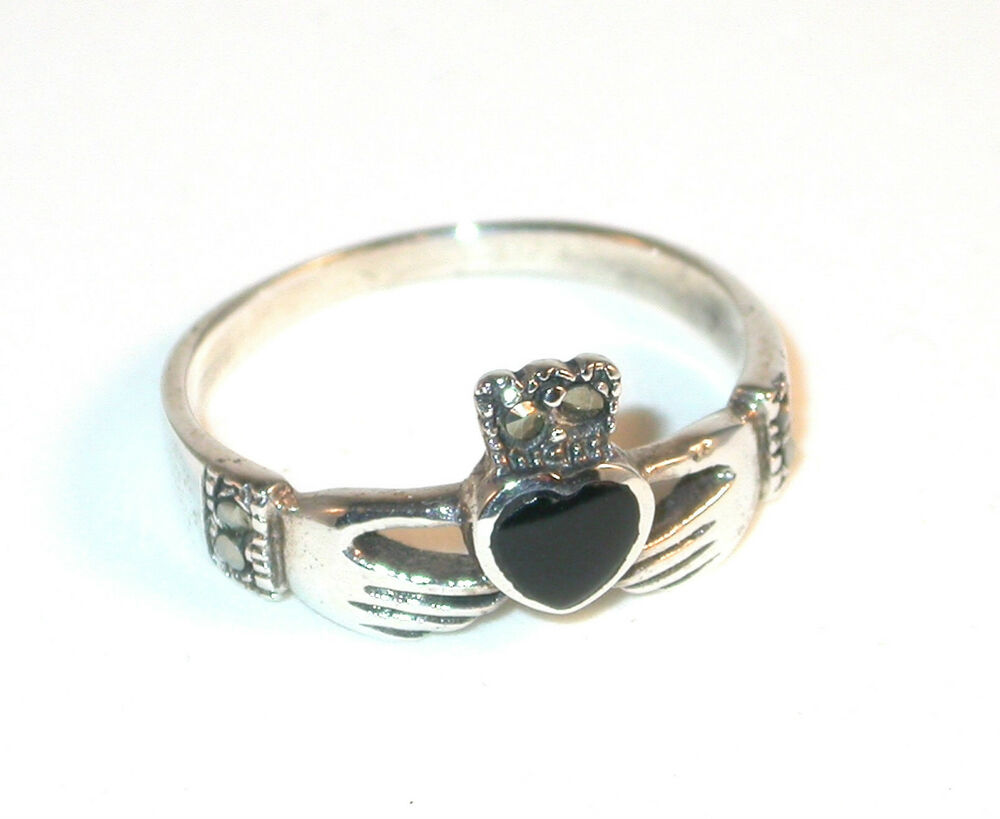 sterling silver ring irish claddagh black onyx size 8. Black Bedroom Furniture Sets. Home Design Ideas