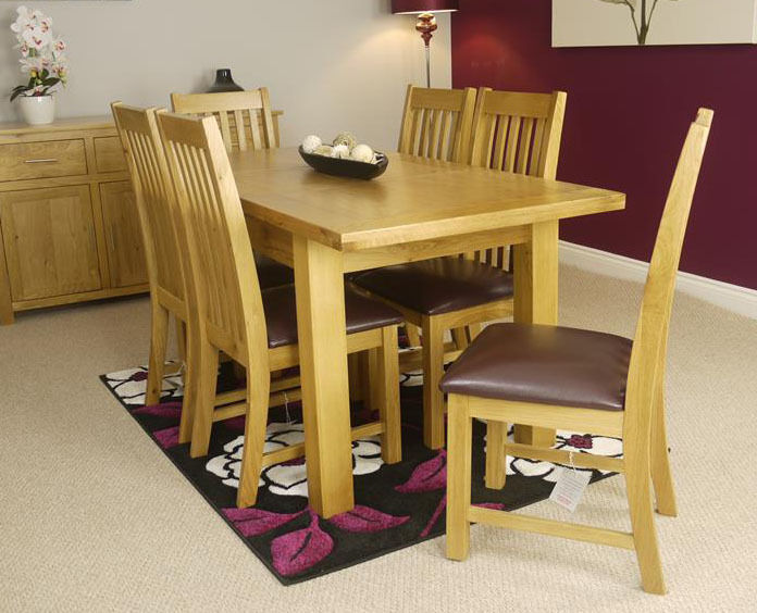 Solid Oakland Chunky Oak Extending Dining Table And 6 Oak