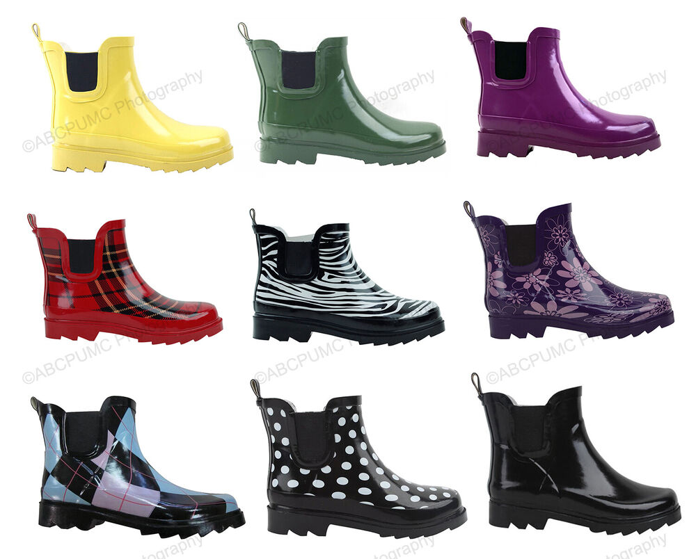 Women's rain boots are just what you need for everything from spring showers to damp autumn afternoons. Keep an eye-catching pair in your closet so you're always prepared to handle the weather efficiently, looking gorgeous with every step.
