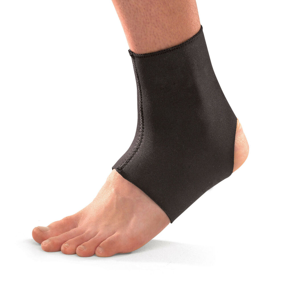 Mueller Sports 964 Neoprene Ankle Support Compression Foot ...
