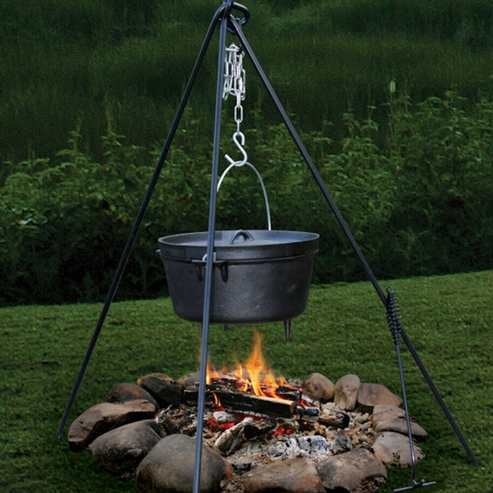 Milcom Heavy Duty Steel Campfire Tripod & Cast Iron Dutch