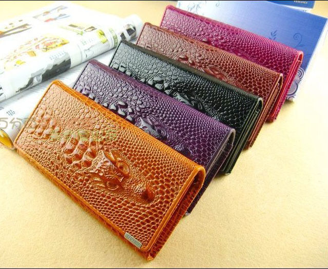 Women Embossed Bifold Wallet Genuine Leather Wallet