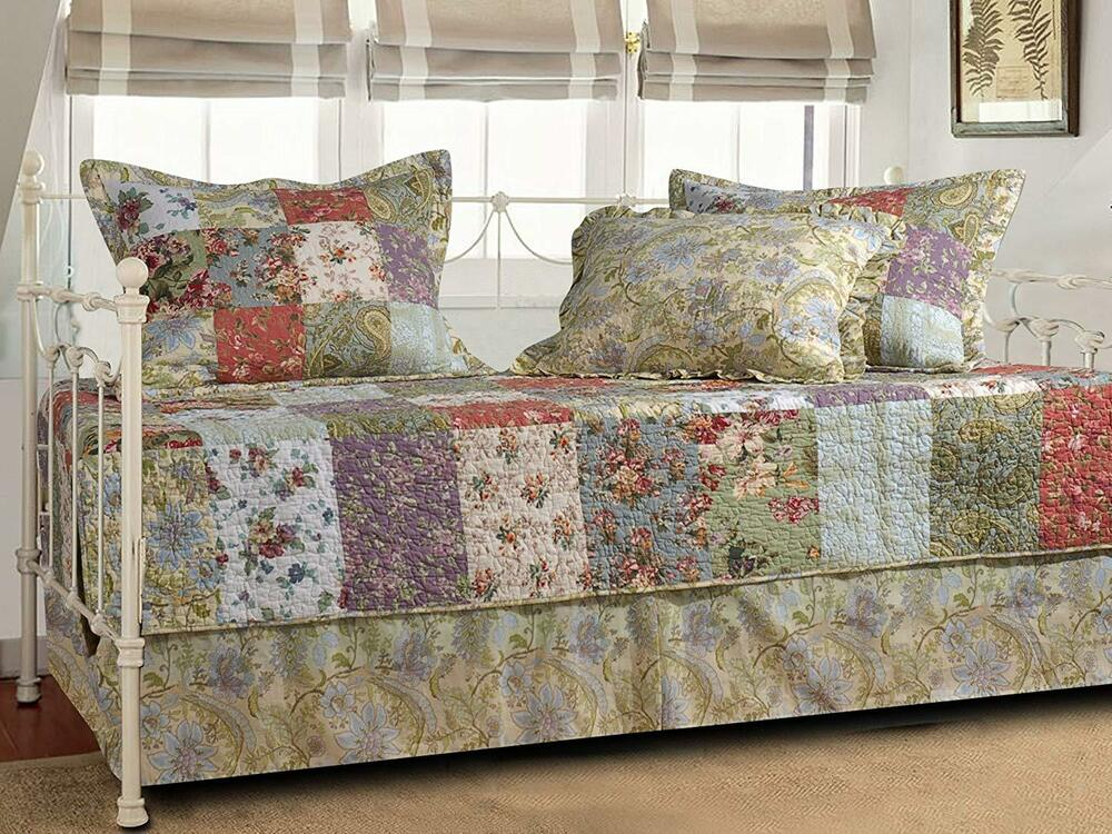 Beautiful Cozy Cottage Vintage Patchwork Ivory Rose Daybed
