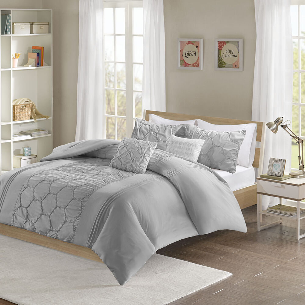 beautiful modern chic soft light blue aqua white black comforter set 2 pillows ebay. Black Bedroom Furniture Sets. Home Design Ideas