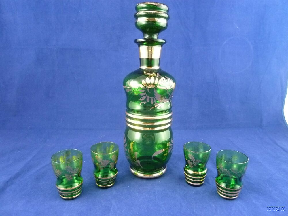 Paul 39 s gifts green glass with gold trim decanter with 4 for Green italy