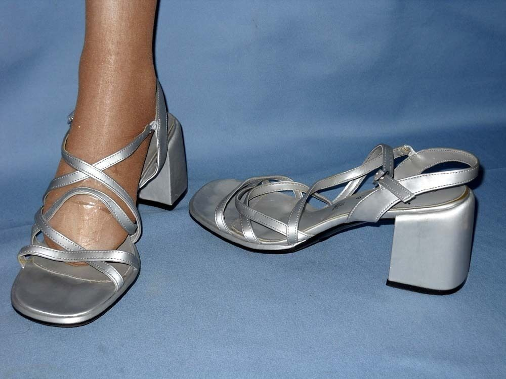 2747 Fioni Womens Sexy Silver 3 Inch Heel Strappy Sandals