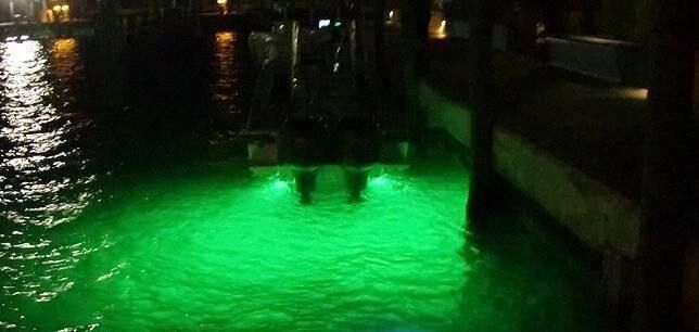 Green led gty underwater fishing drop light boat dock for Night fishing lights for boats