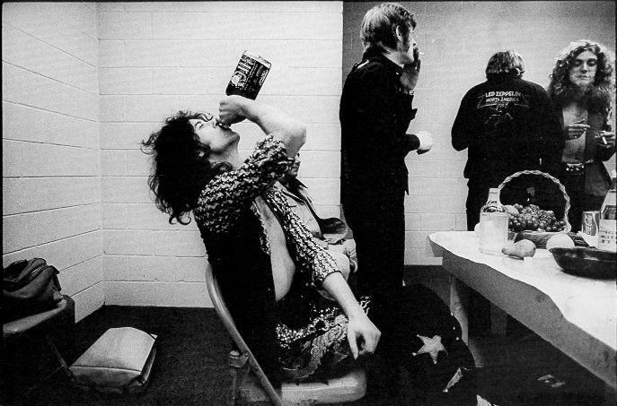 Photo Page: LED ZEPPELIN JIMMY PAGE JACK DANIELS WHISKEY LIVE