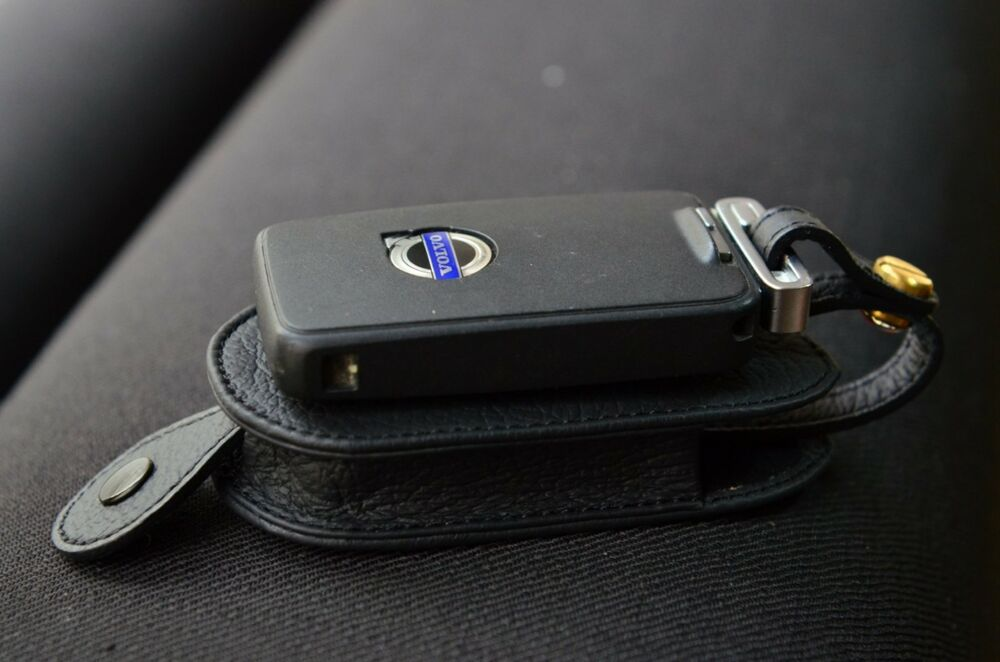 Leather Key case for VOLVO C30 C70 S40 S80 V50 V60 V90 V70 XC70 key Black Color | eBay
