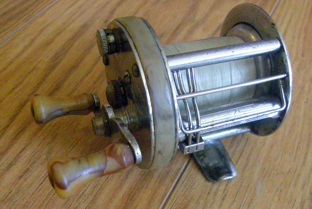 Late 1940 39 s south bend casting reel anti back lash 450 for South bend fishing reel
