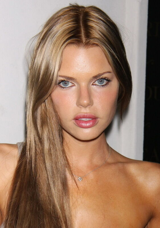 Sexy Photo 825X1175 Model Sophie Monk Glamorous Close Up -9205