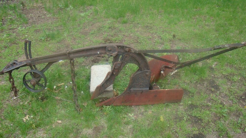 VINTAGE ANTIQUE SOLID CAST IRON Oliver Horse Drawn PLOW F393 F390 ...