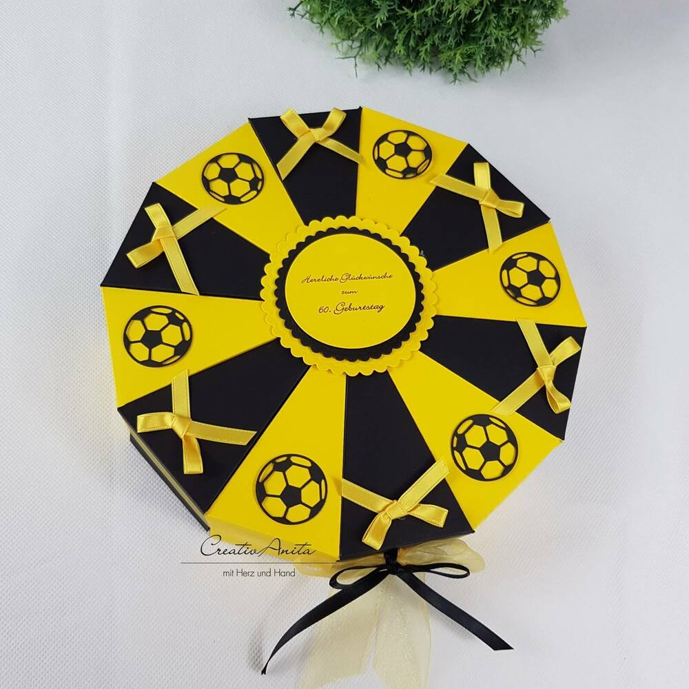 torte schachteltorte fussball geldgeschenk geschenkidee schwarz gelb ebay. Black Bedroom Furniture Sets. Home Design Ideas