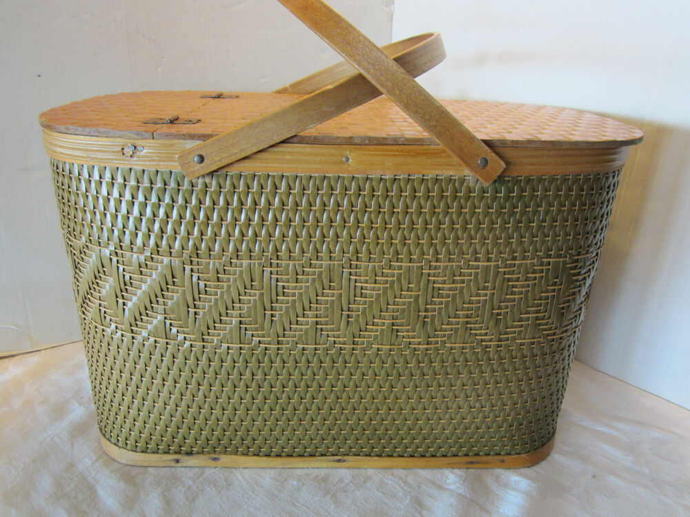 Picnic Basket Pie : Picnic basket box hawkeye w pie saver quot green vintage