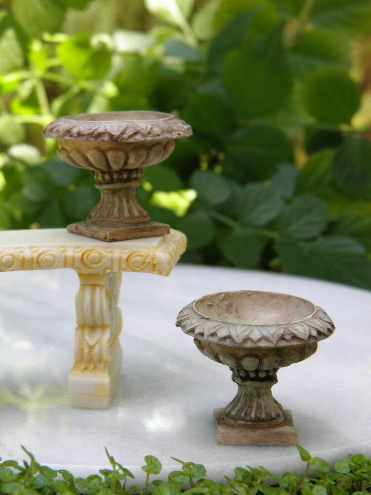 miniature dollhouse fairy garden set of 2 antiqued victorian urns pots ebay. Black Bedroom Furniture Sets. Home Design Ideas