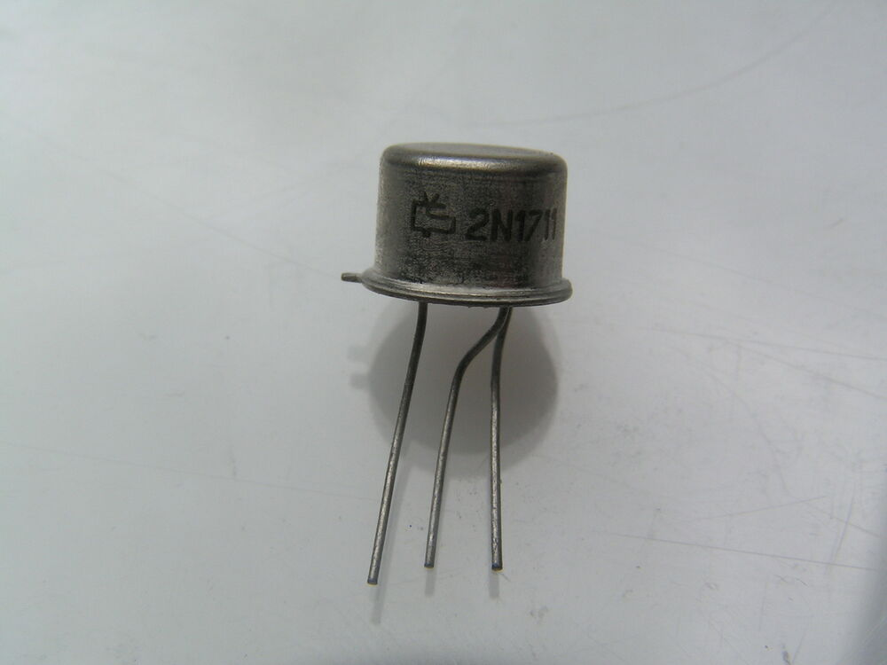 transistor in general Qsz4 transistors revb 1/4 general purpose transistor (isolated transistor and diode) qsz4 a 2sb1706 and a 2sd2671 are housed independently in a tsmt5 package.