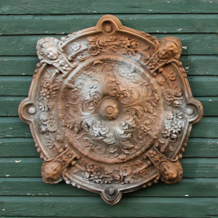 Intorno Medallion Garden Wall Art Decor Sculpture Plaque