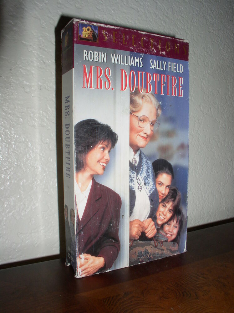 Sell Vhs Tapes >> Mrs. Doubtfire starring Robin Williams (VHS, 2002, Selections) 24543029397 | eBay