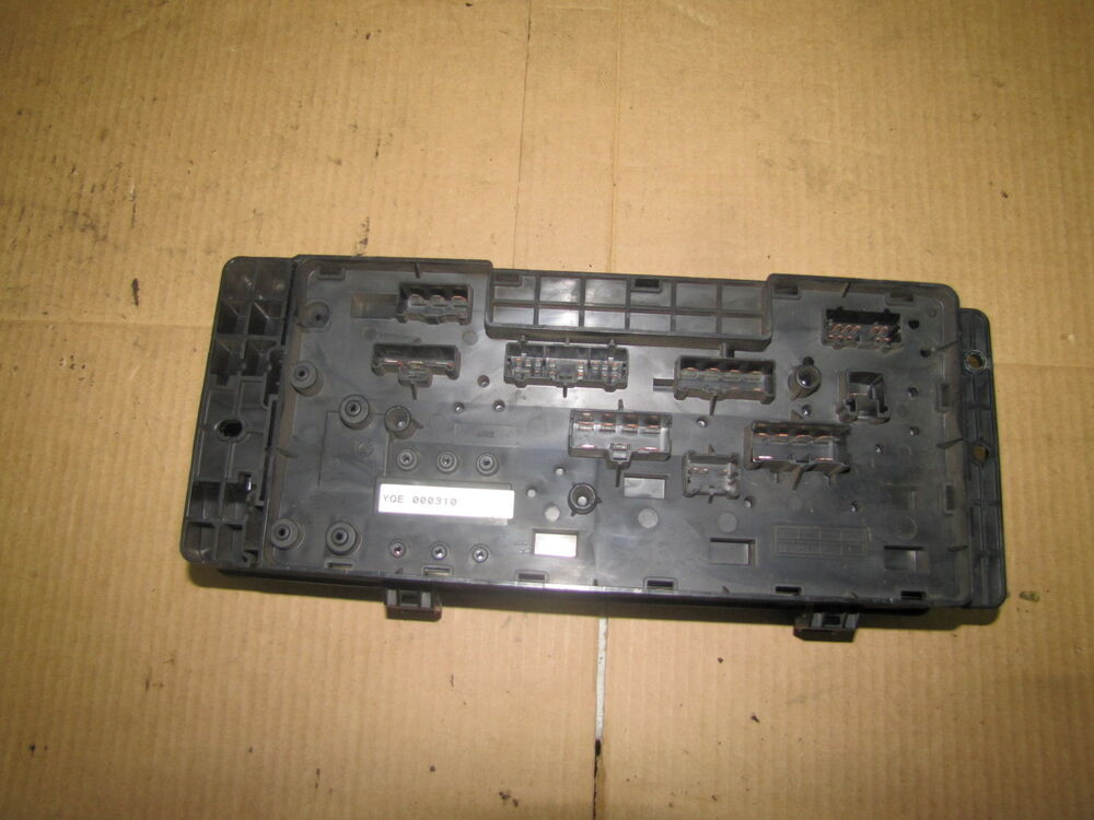 1998 2004 land rover discovery se7 fuse box ebay. Black Bedroom Furniture Sets. Home Design Ideas
