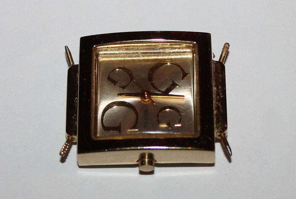 gold color guess wristwatch with sweep second hand ebay. Black Bedroom Furniture Sets. Home Design Ideas