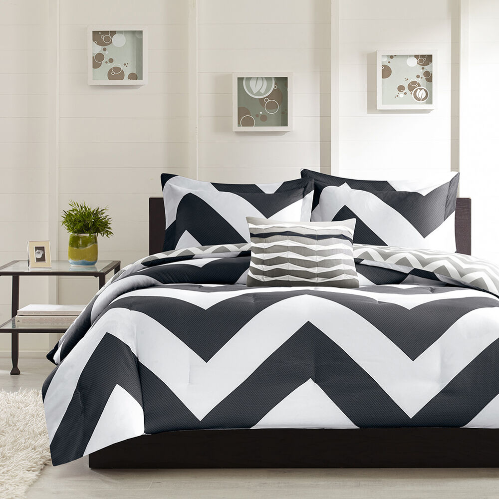 beautiful modern reversible black grey white stripe sport chevron comforter set ebay. Black Bedroom Furniture Sets. Home Design Ideas