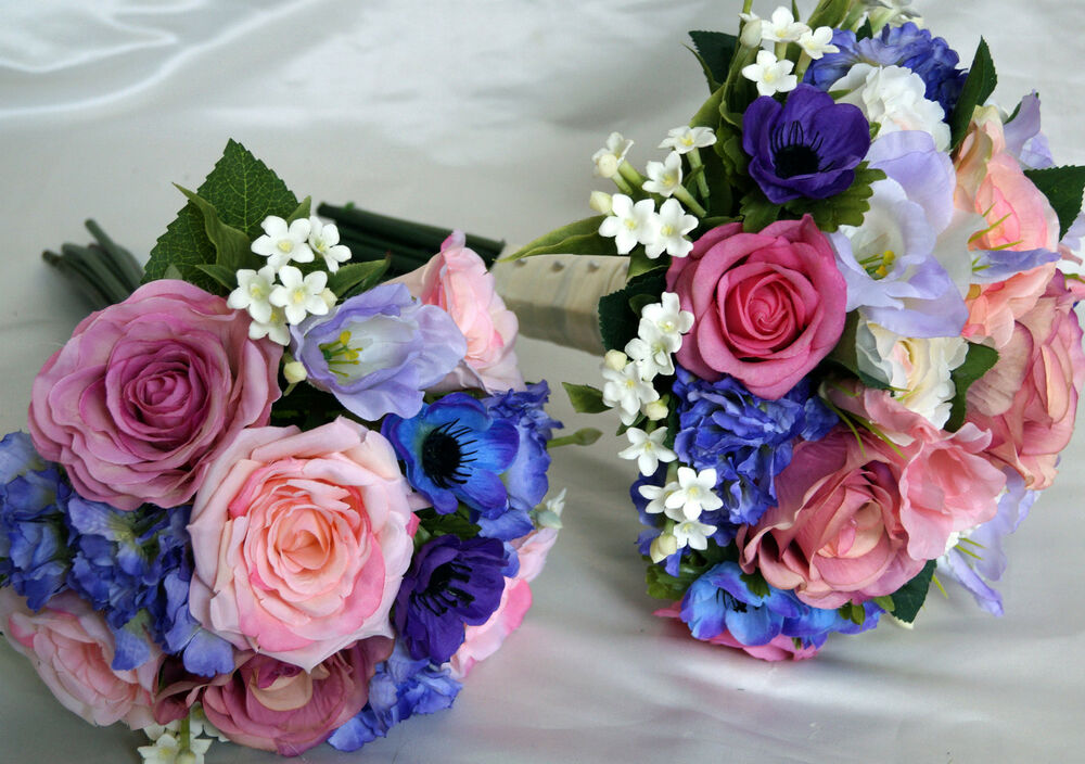 Country Style Wedding Flowers Brides Amp Bridesmaid Hand