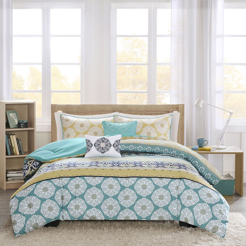 Beautiful modern blue green teal aqua navy bohemian for Pictures of comforters