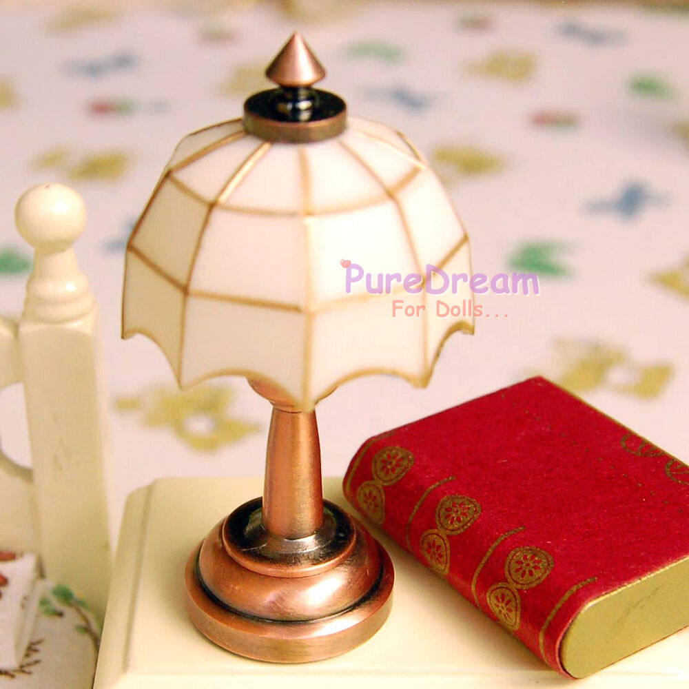 Dollhouse Miniatures Battery Lights: 1/12 Scale Dollhouse Miniature Battery Operated Table Lamp