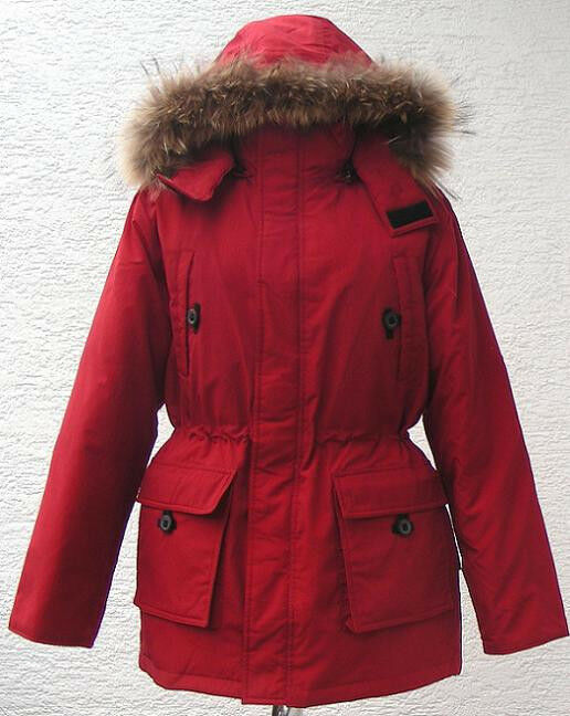 daunenjacke winterjacke damen in rot mit kapuze pelz. Black Bedroom Furniture Sets. Home Design Ideas