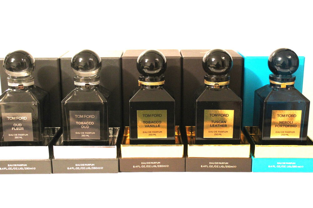 6742d98fd3c0 TOM FORD TOBACCO VANILLE DECANTER 250ml AND MORE. EMPTY BOTTLES ONLY ...