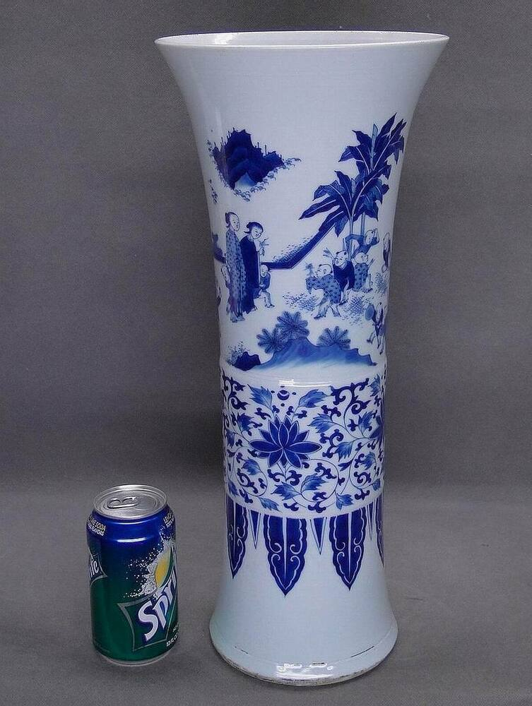 Chinese Qing Dynasty Blue And White Figural Gu Vase Ebay