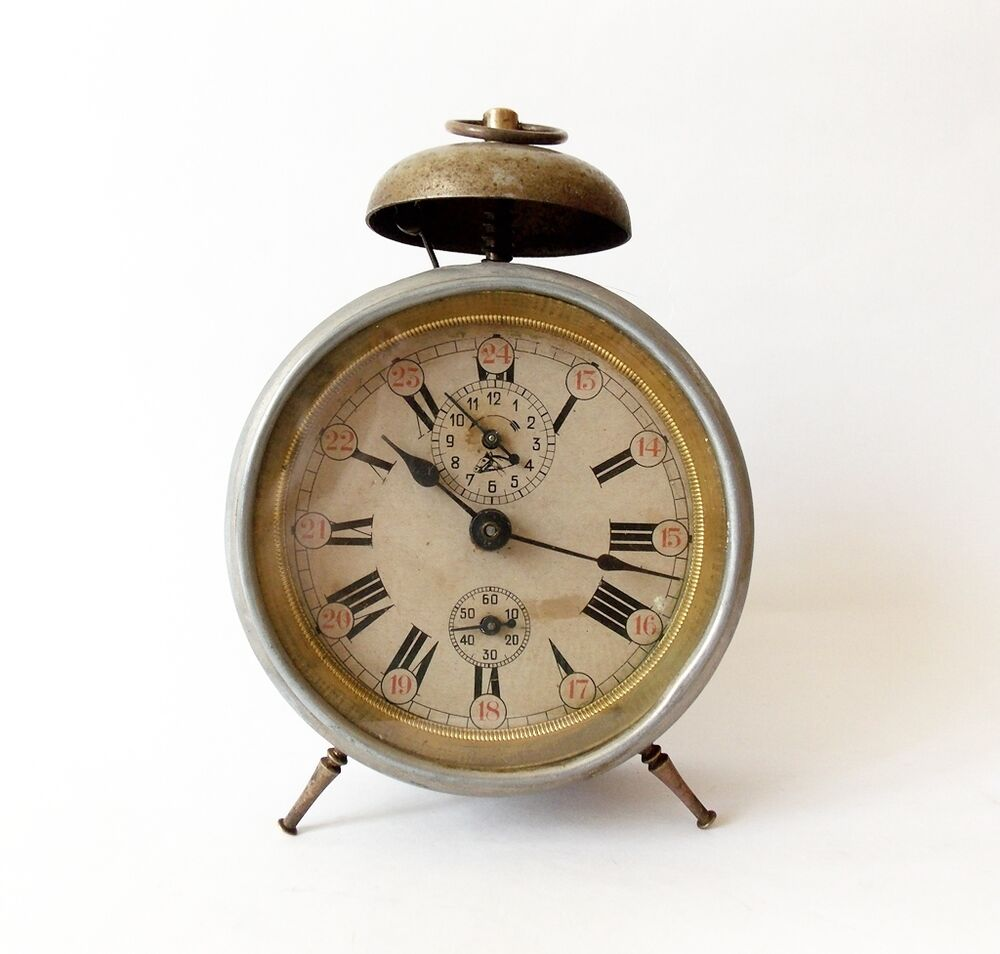 Alarm clock vintage well