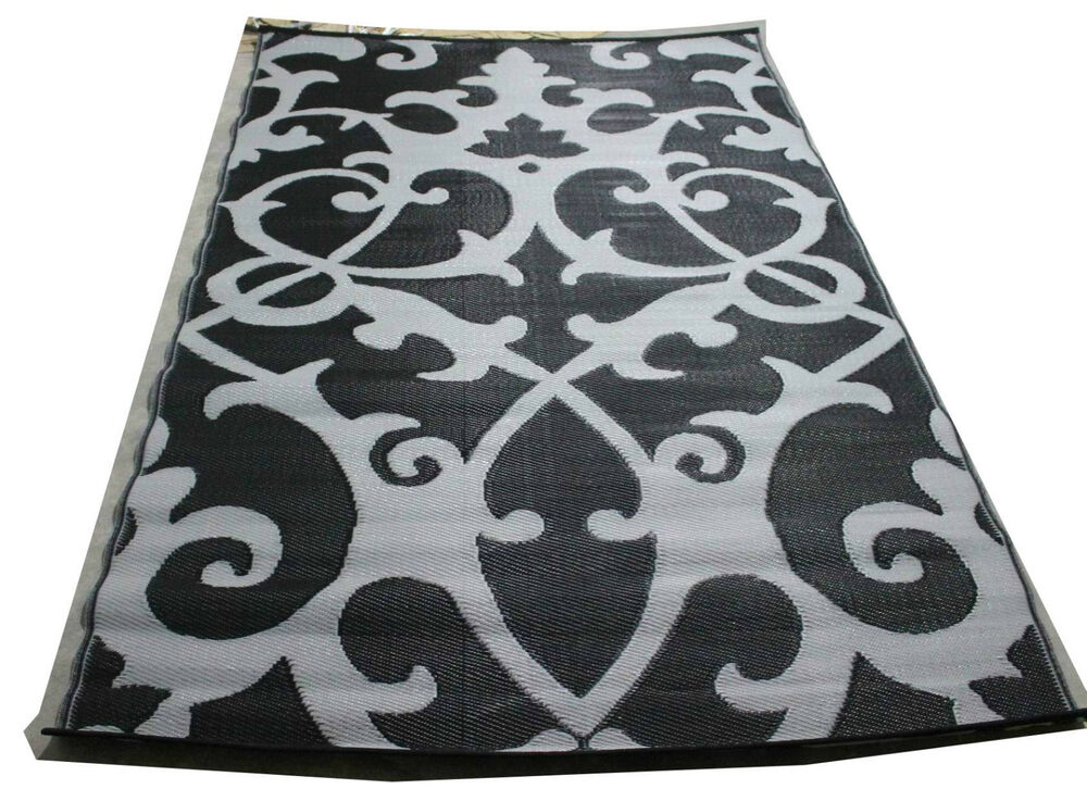 Lightweight woven plastic mat indoor outdoor rug black for Woven vinyl outdoor rugs