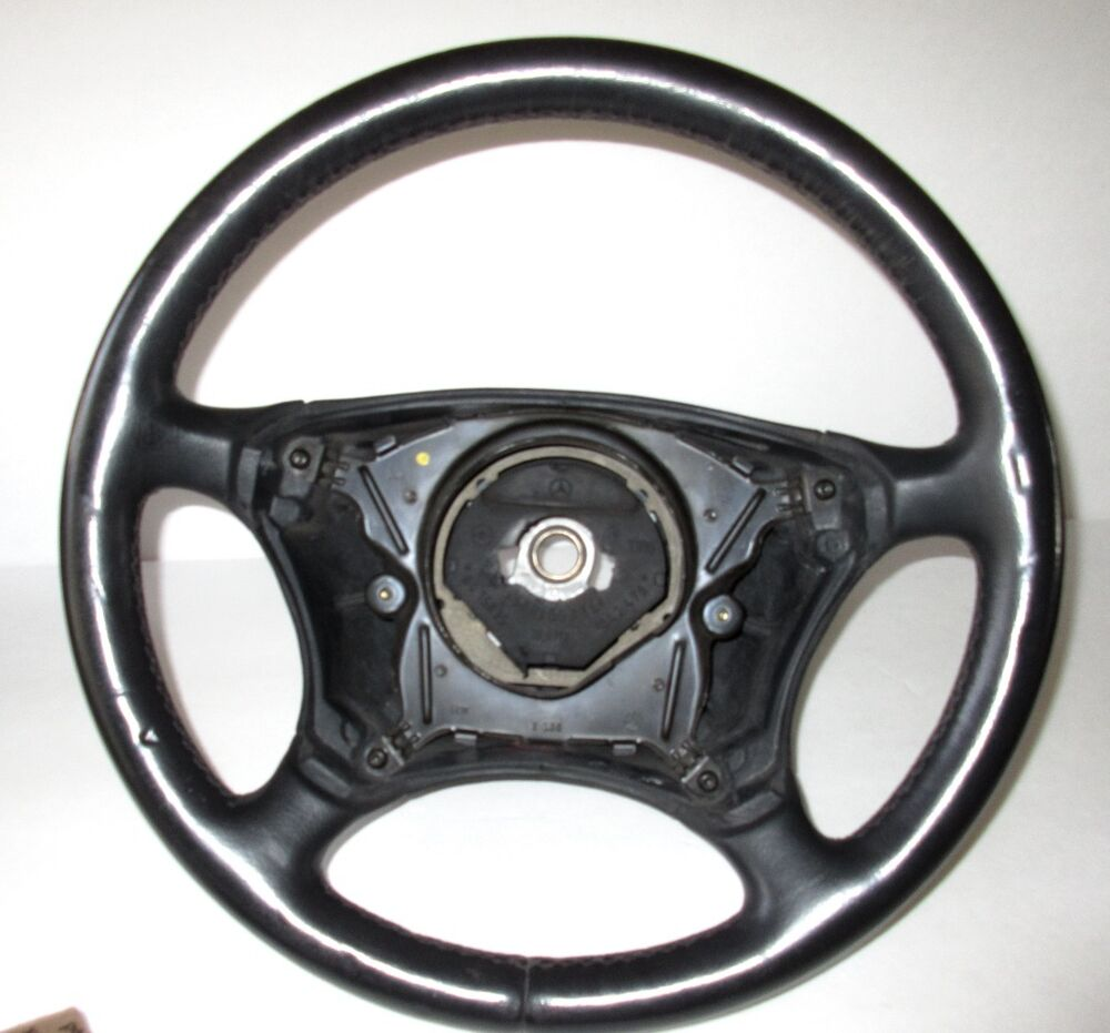 Mercedes benz e class black leather steering wheel 1042470 for Mercedes benz steering wheel