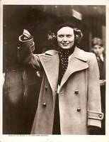 ANNA NEAGLE RETURNS Press Type Photo c.1938 VINTAGE 1930s/1940s Film Actress