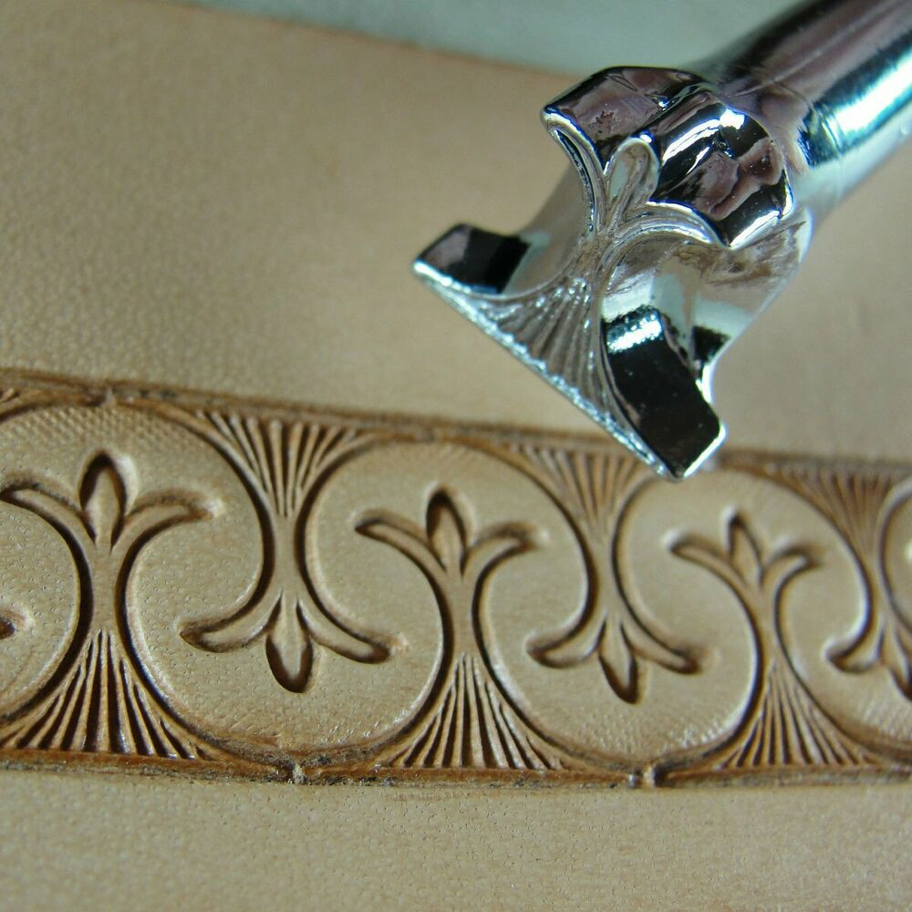 Pro crafters series border saddle stamp leather