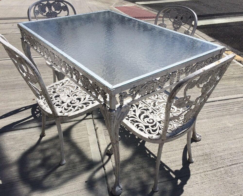 Vintage molla cast aluminum patio garden set table 4 for Small patio table and 4 chairs