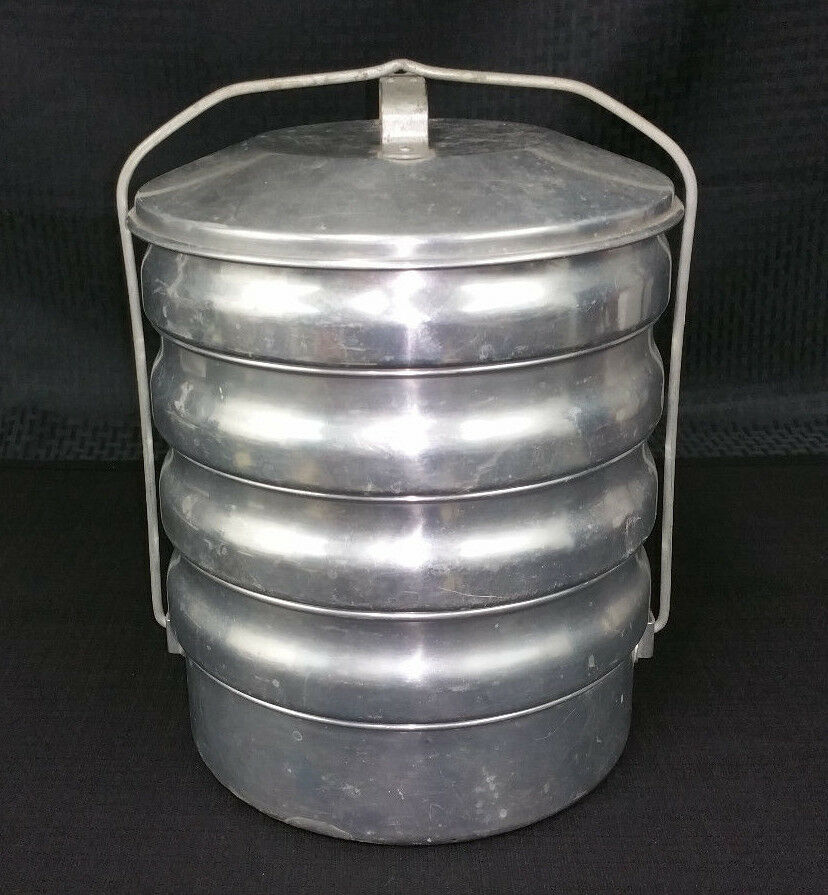 Vintage aluminum 5 tier stacking food carrier tote with for Aluminum cuisine