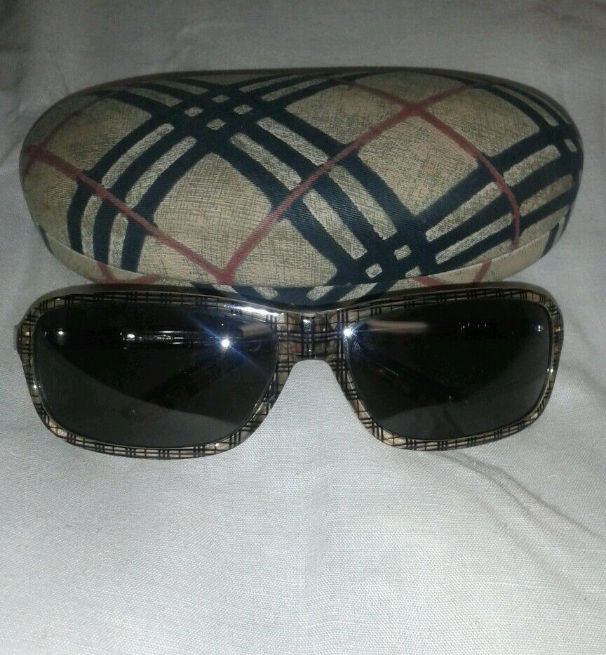 17a593425d LADIES BURBERRY PLAID SUNGLASSES WITH CASE